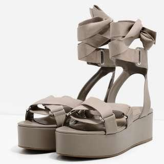 Charles and Keith - CROSS-STRAP PLATFORM SANDALS TAUPE