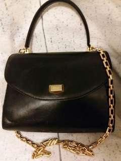 """Bally leather handbag.  手挽長青款。  已佩金屬肩帶可cb.  有少許使用痕跡所以特價。9"""" w x 7"""" h."""