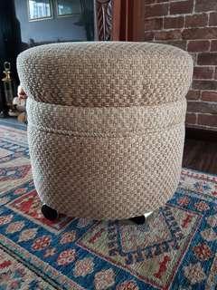 Fabric stool w/ Wheels