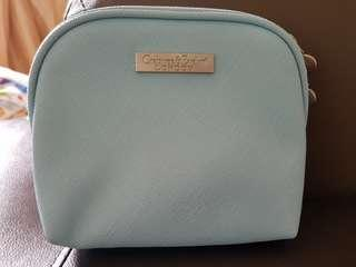 Crabtree Evelyn Pouch with toiletriea (christmas gift)