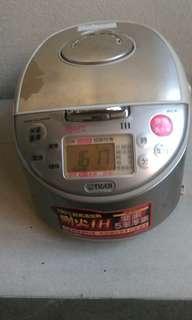 日本製 tiger JKC-R電子鍋