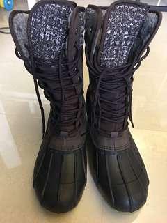 Universal traveller winter boots