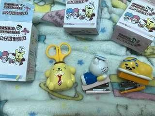 🚚 711 立體造型公仔 布丁狗剪刀/蛋黃哥、Hello Kitty 訂書機