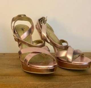 Metallic pink 4 inch heels