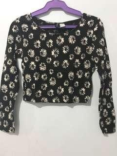 NEVER USED H&M cropped top