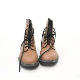 Wade Boots (Used once)
