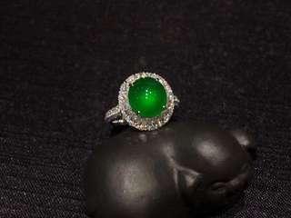 天然翡翠A玉  高冰熒光帝王綠蛋面鑽石戒指