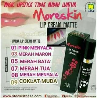 Lipstik Cream Moreskin dari Nasa untuk warna Tahan Lama