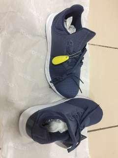 🚚 adidas鞋子