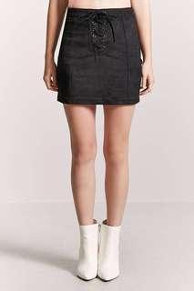 🚚 F21 black Faux Suede Skirt