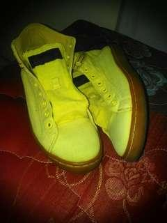 League J Street Hi Yellow