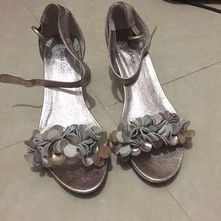 全新女神鞋 女涼鞋 坡跟鞋 玫瑰金色 花花可愛款 媽媽鞋 奶奶鞋 舒適 企全日不累 進口貨 高質鞋 Django & Juliette