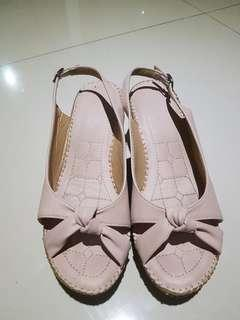 Sepatu wedges. Soft leather. Pink. 38