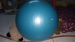 Bola Yoga Atlethic Karet Biru Tebal Membal