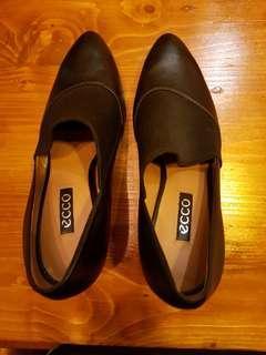 Staccato sepatu wanita hitam
