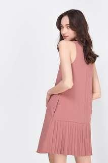 Fayth Aira Pleated Shift Dress in Rose