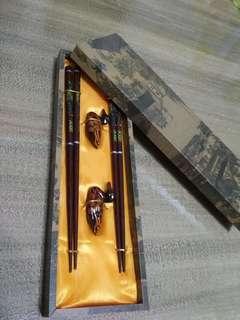 Wooden chopstick set of 2