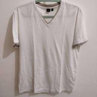 Uniqlo - White T-Shirt