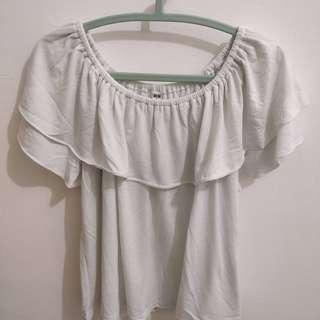 Uniqlo - White Sabrina Top