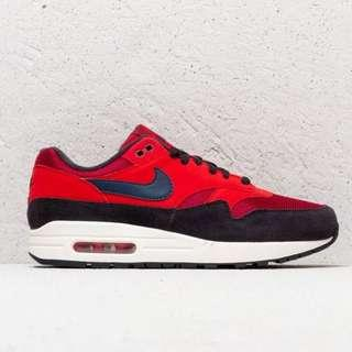 Nike Air Max 1 *NEW AND BARELY WORN*