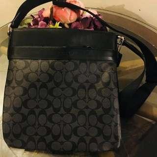 444f263b3b5 Men s Coach Bag (AUTHENTIC)