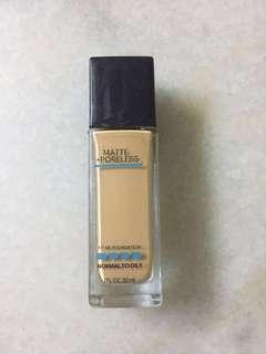 Maybelline Fit Me Foundation code 222