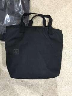 (BN) UNIQLO Large ZIP Up Cooler Tote Bag