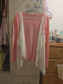 粉色罩衫外套