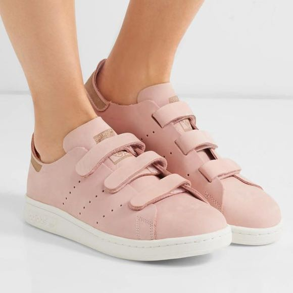 0c5fa0bfeba0d8 Adidas Stan Smith in Pink Suede UK4