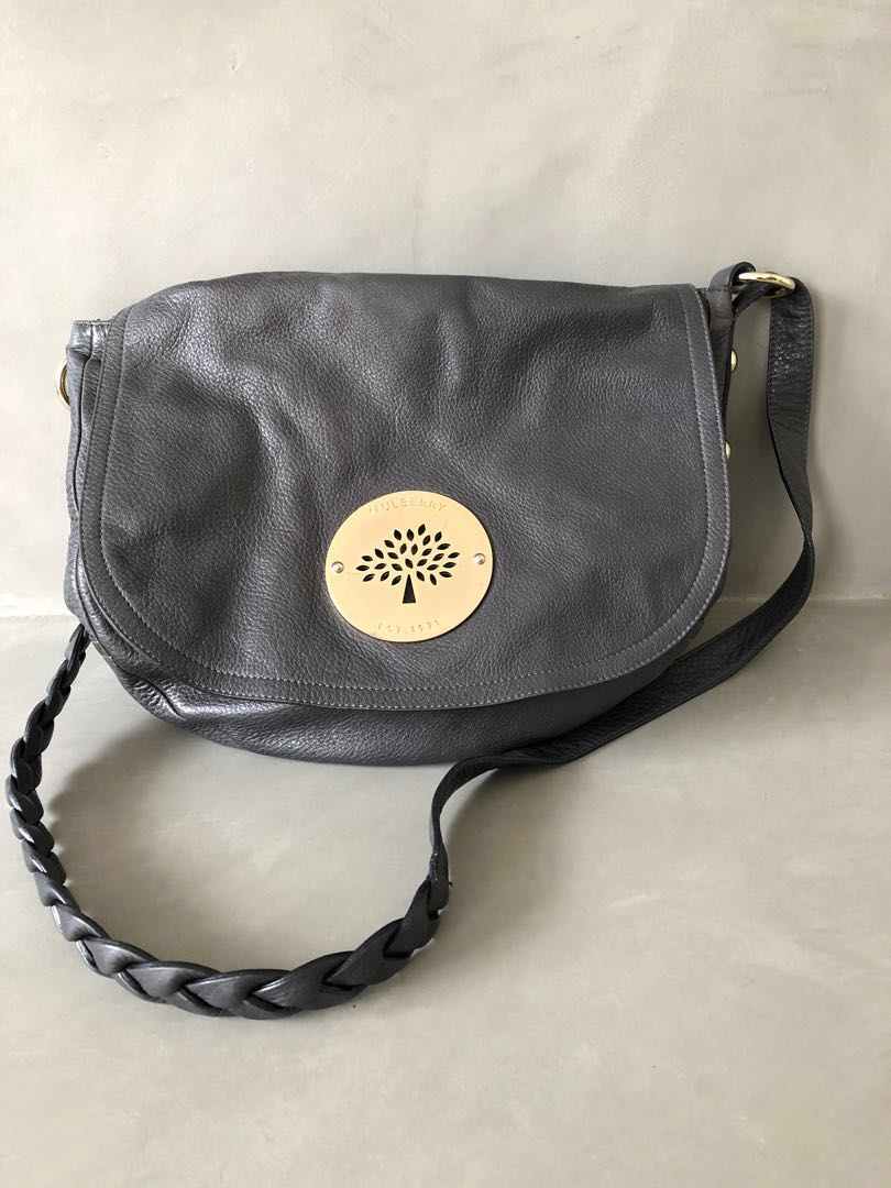 Authentic Grey Mulberry Daria Satchel with Gold Hardware, Luxury, Bags    Wallets, Handbags on Carousell e5e3996ac5
