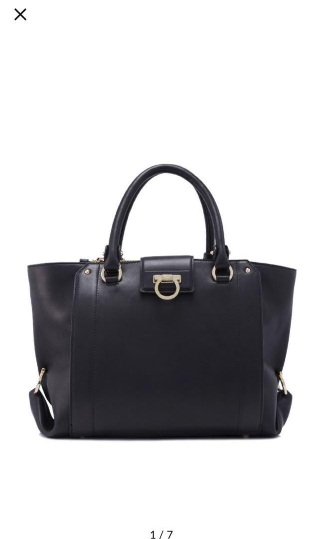 c786b5affed9 BN Salvatore Ferragamo Handbag Luisa 30cm