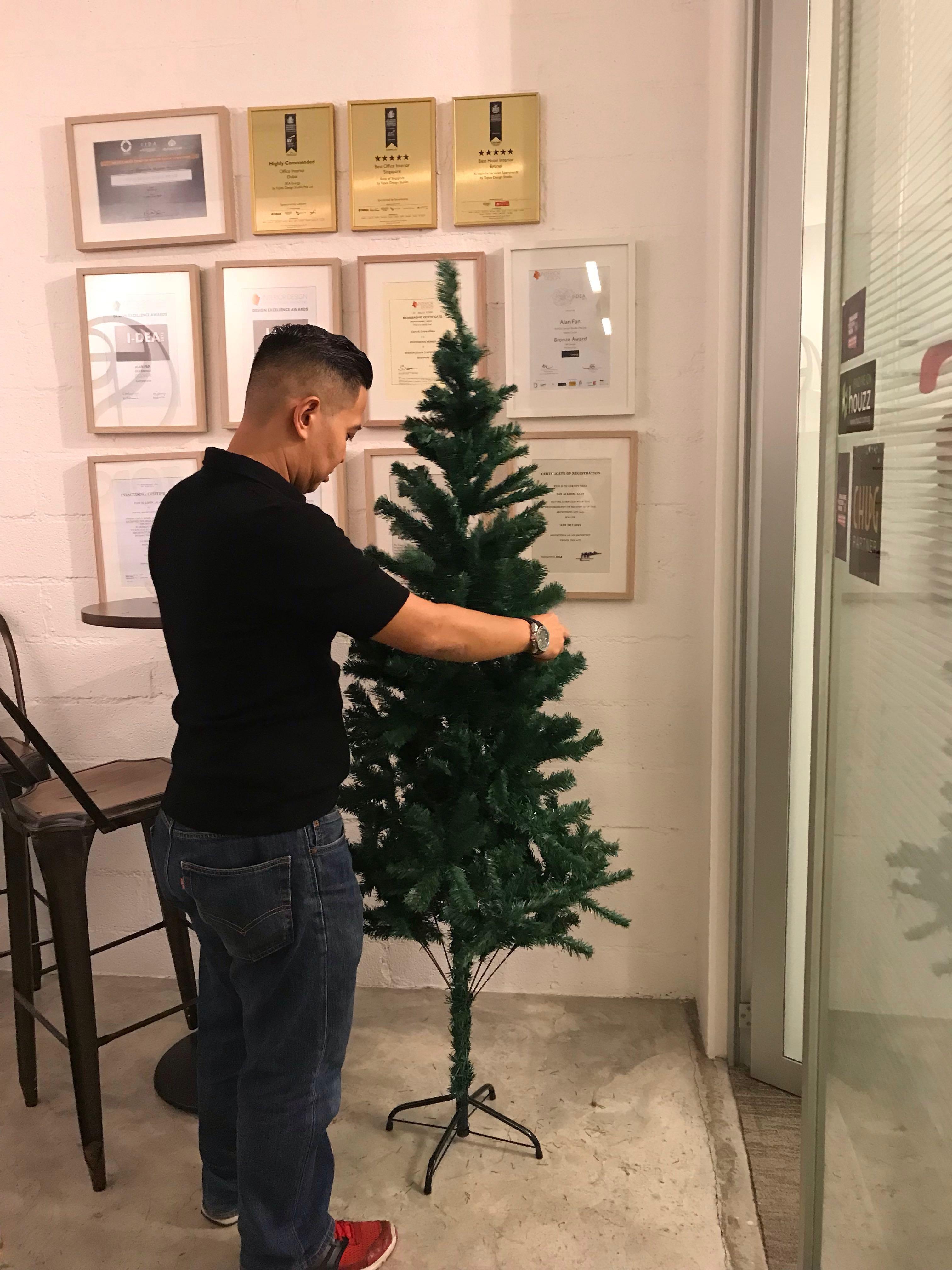 Christmas Tree Xmas Tree 1 8m 6ft Tall Small Base Design Craft