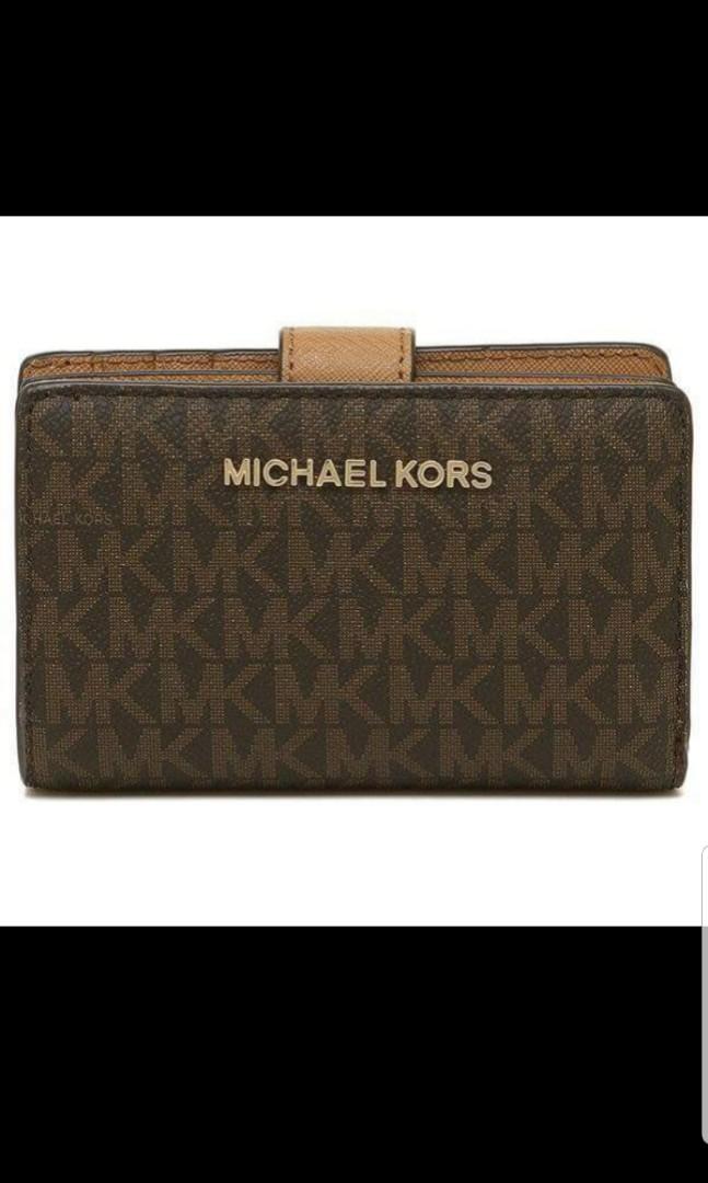a85e58fb0be0 Michael kors jet set bifold wallet, Women's Fashion, Bags & Wallets, Wallets  on Carousell
