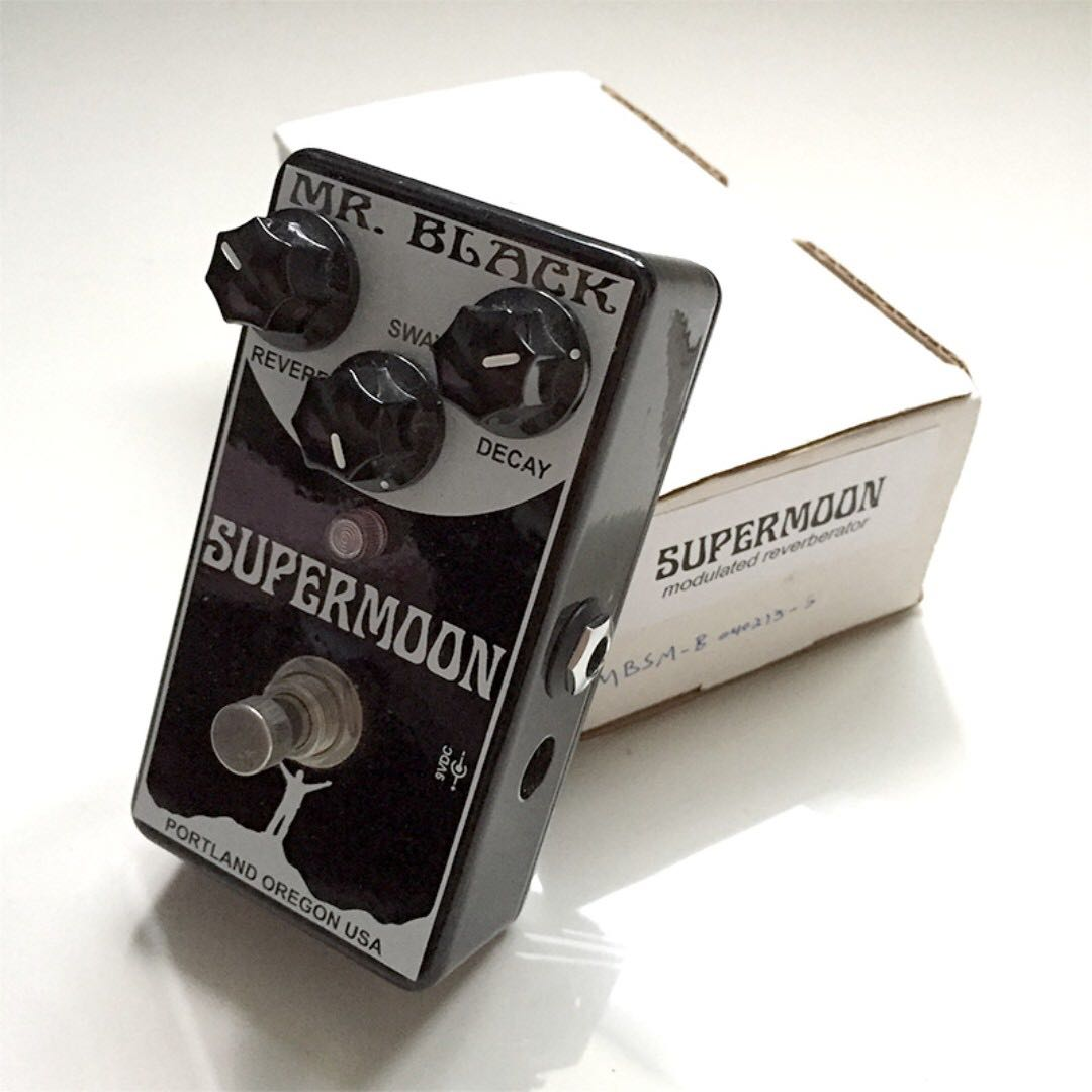 Mr Black Supermoon Modulated Reverb Pedal Music Media Music