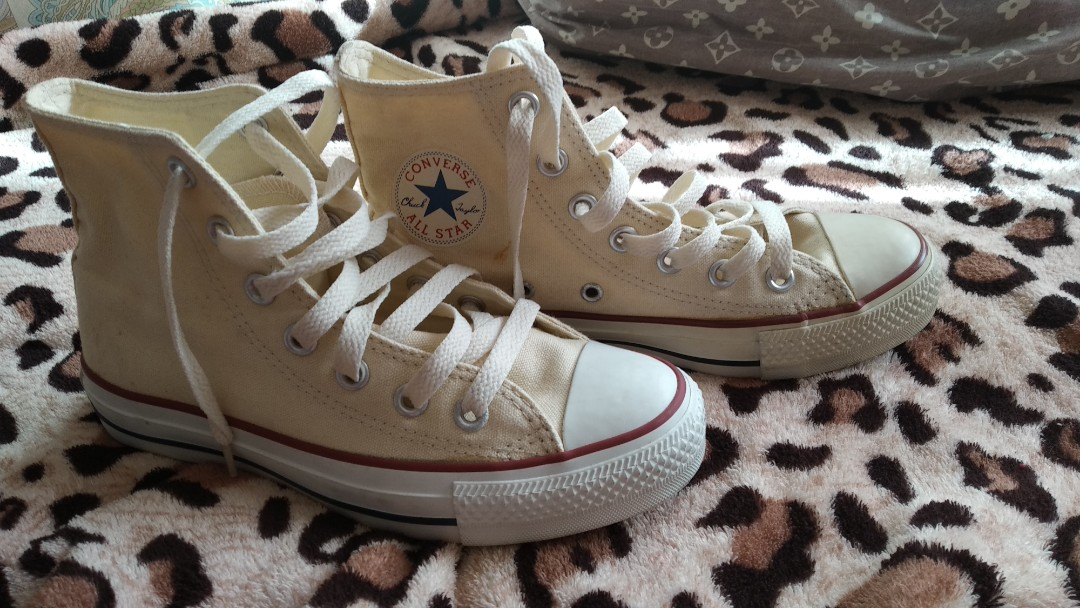 ec752ab6ea93 Preloved Beige Converse High cut shoes w o box