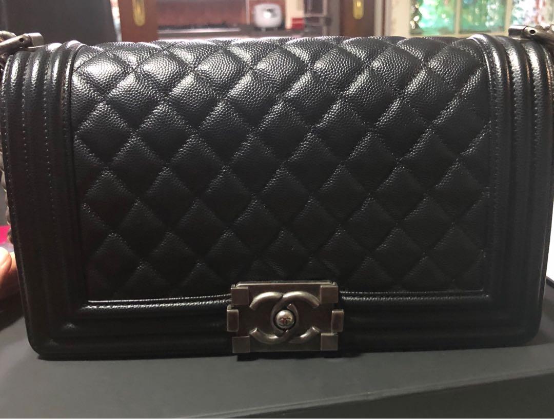 ca1584b30884 Rare!! LNIB Chanel Boy Black Caviar with RHW! Old medium.