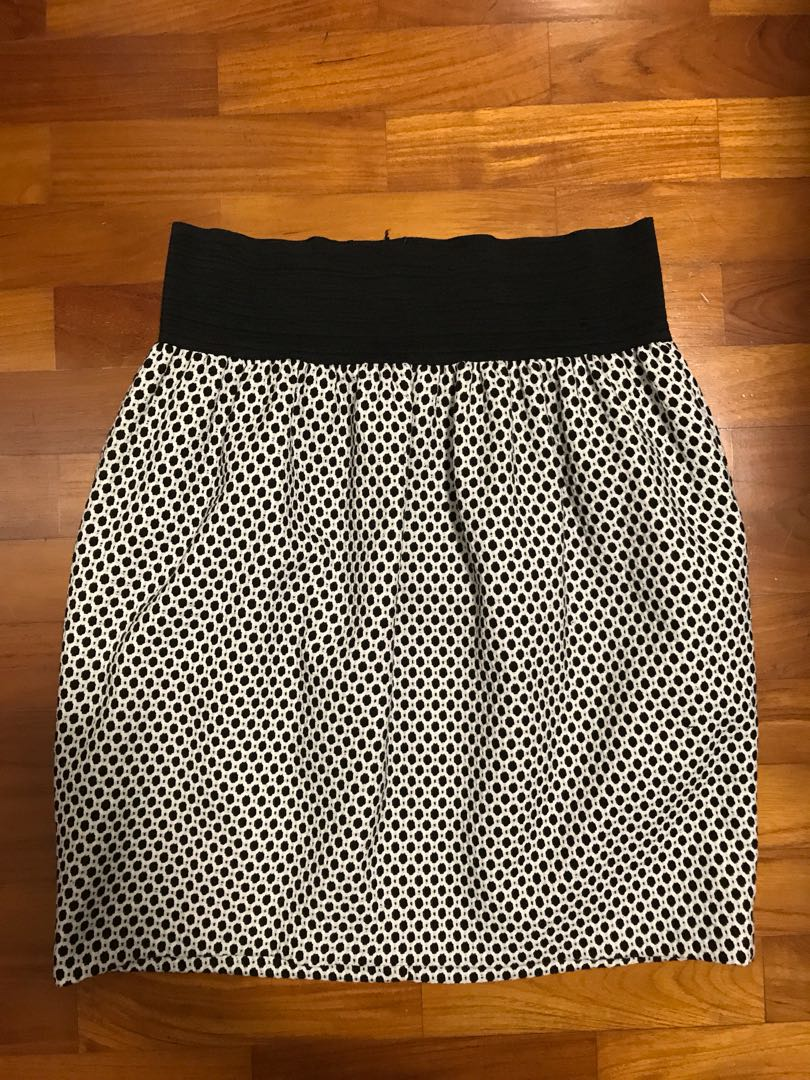 879e2985dd Zara Black White skirt, Women's Fashion, Clothes, Pants, Jeans ...
