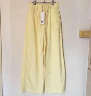 🚚 Zara 鵝黃色打褶落地西裝褲 寬褲