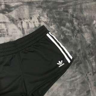 Adidas originals短褲 三葉草