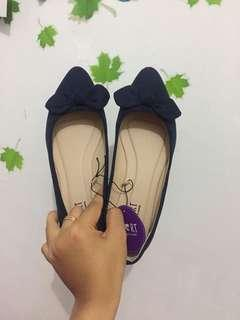 Flat shoes the little things need navy