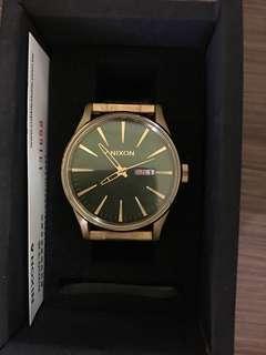 Nixon金錄手錶
