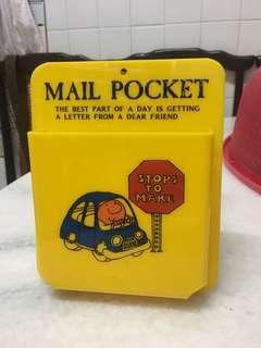 Vintage mail pocket