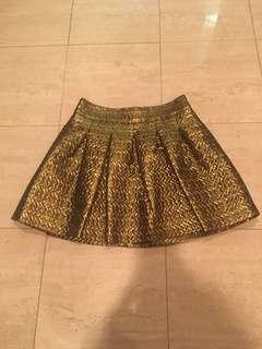 Beautiful gold mini skirt size small