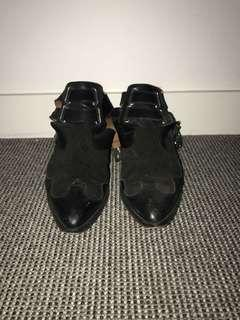 TOPSHOP BLACK LEATHER ANKLE BOOTIES