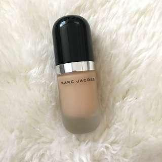 MARC JACOBS Remarcable Full Cover Foundation (22 Bisque Light)