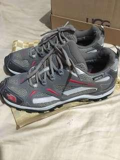 Selling Northface Rubber shoes used couple of times great for hiking and people who loves adventure!