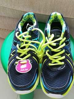 BCG運動鞋