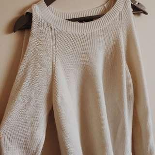 White cold shoulder long sleeve knitted jumper