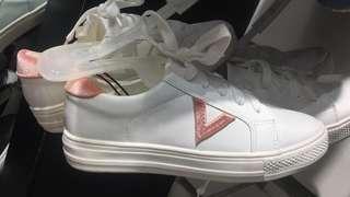 Sepatu kets vincci