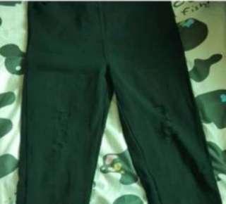 🚚 長褲前後有口袋膝蓋跟小腿有泊痕是正常的
